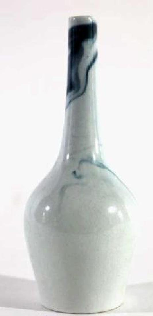 CHINESE ANTIQUE CERAMIC BOTTLE VASE - 2