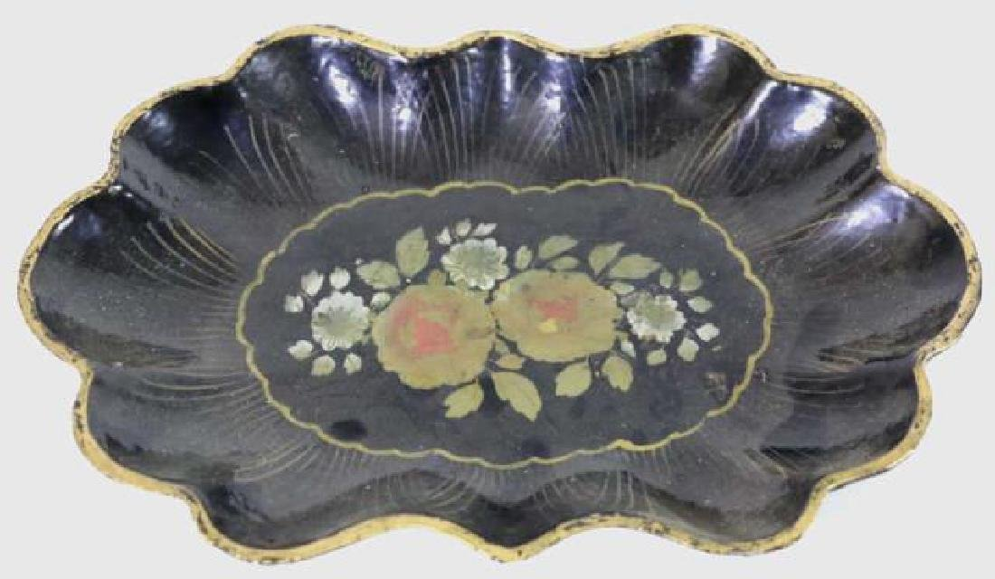 JAPANESE VINTAGE SCALLOPED EDGED PAPER MACHE TRAY - 2