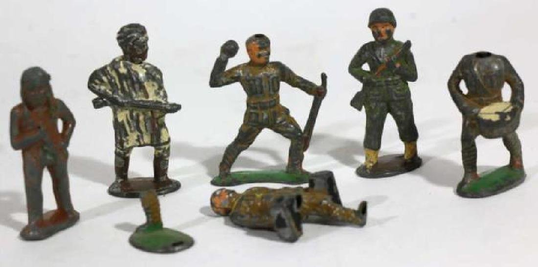 ANTIQUE LEAD SOLDIER TOY GROUPING