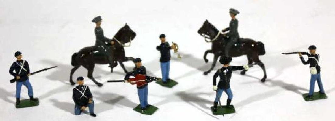 ANTIQUE LEAD TOY SOLDIER GROUPING