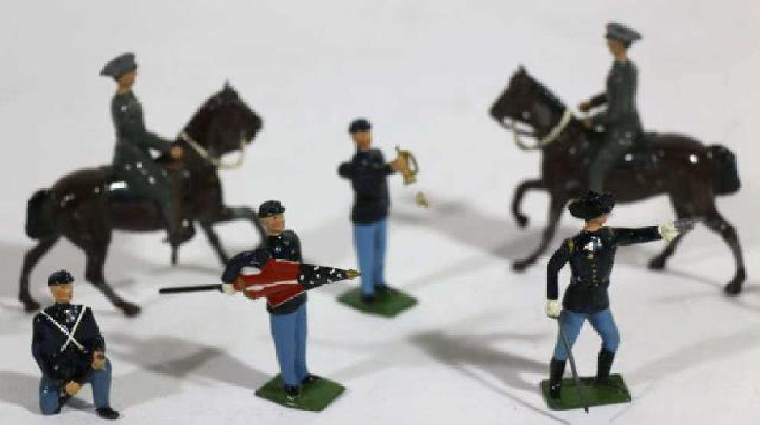 ANTIQUE LEAD TOY SOLDIER GROUPING - 4