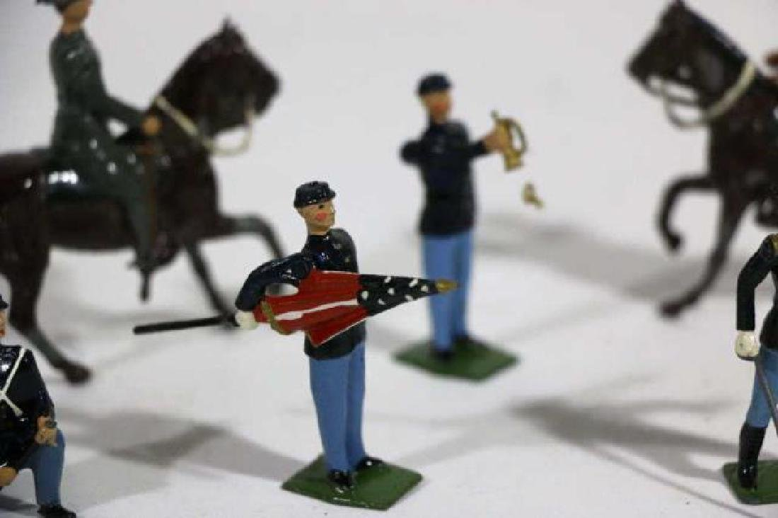 ANTIQUE LEAD TOY SOLDIER GROUPING - 6