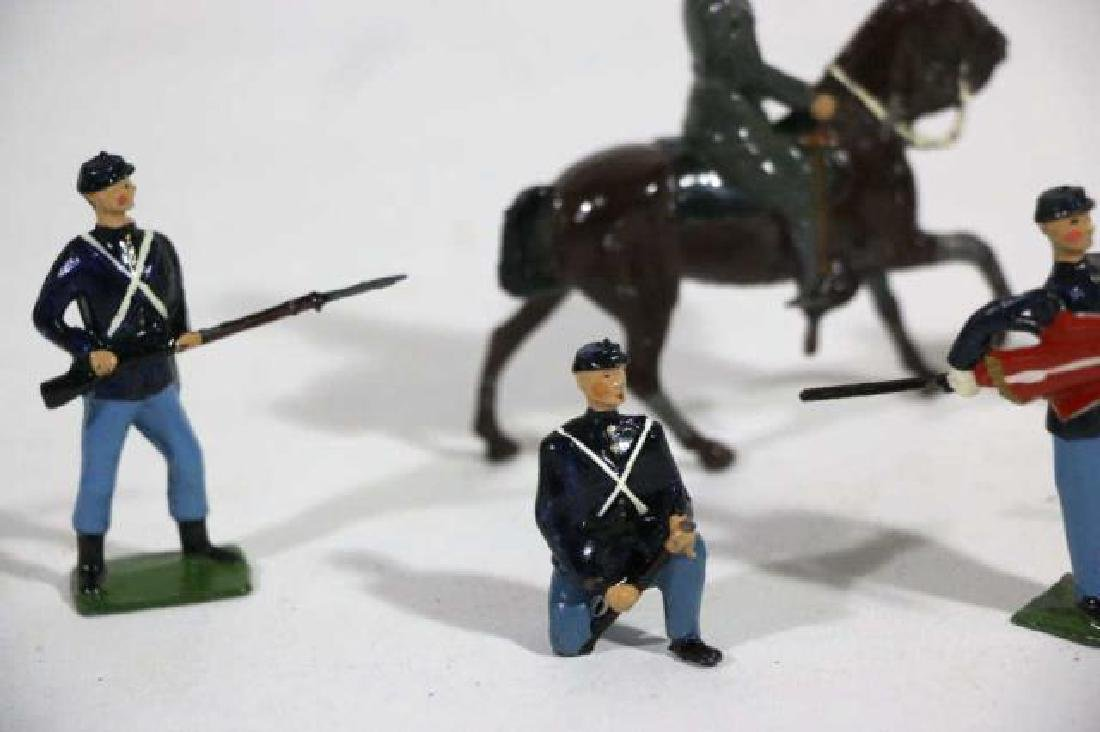 ANTIQUE LEAD TOY SOLDIER GROUPING - 7