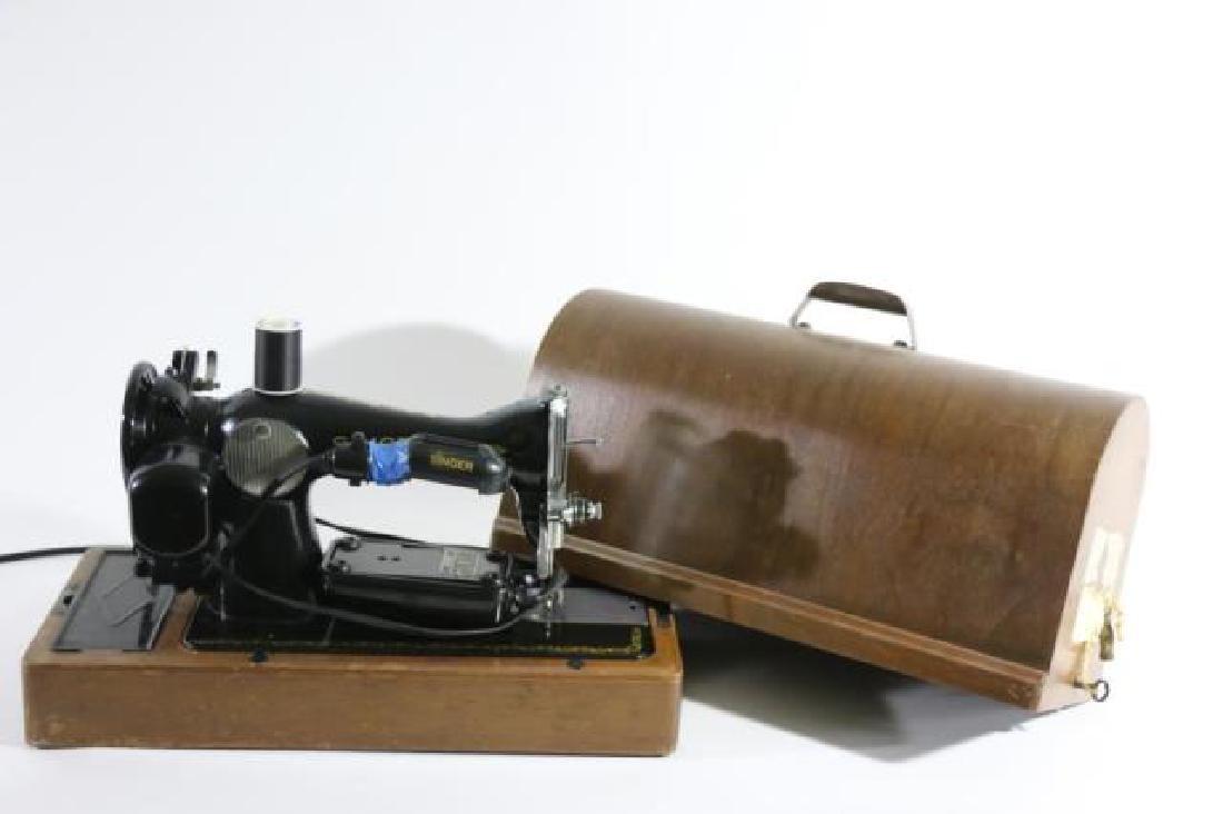 SINGER ANTIQUE CASED SEWING MACHINE