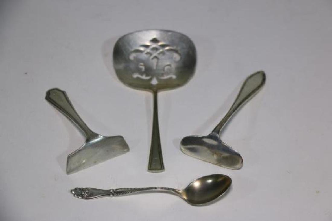 STERLING SILVER CRUMBER & SPOON GROUPING - 8