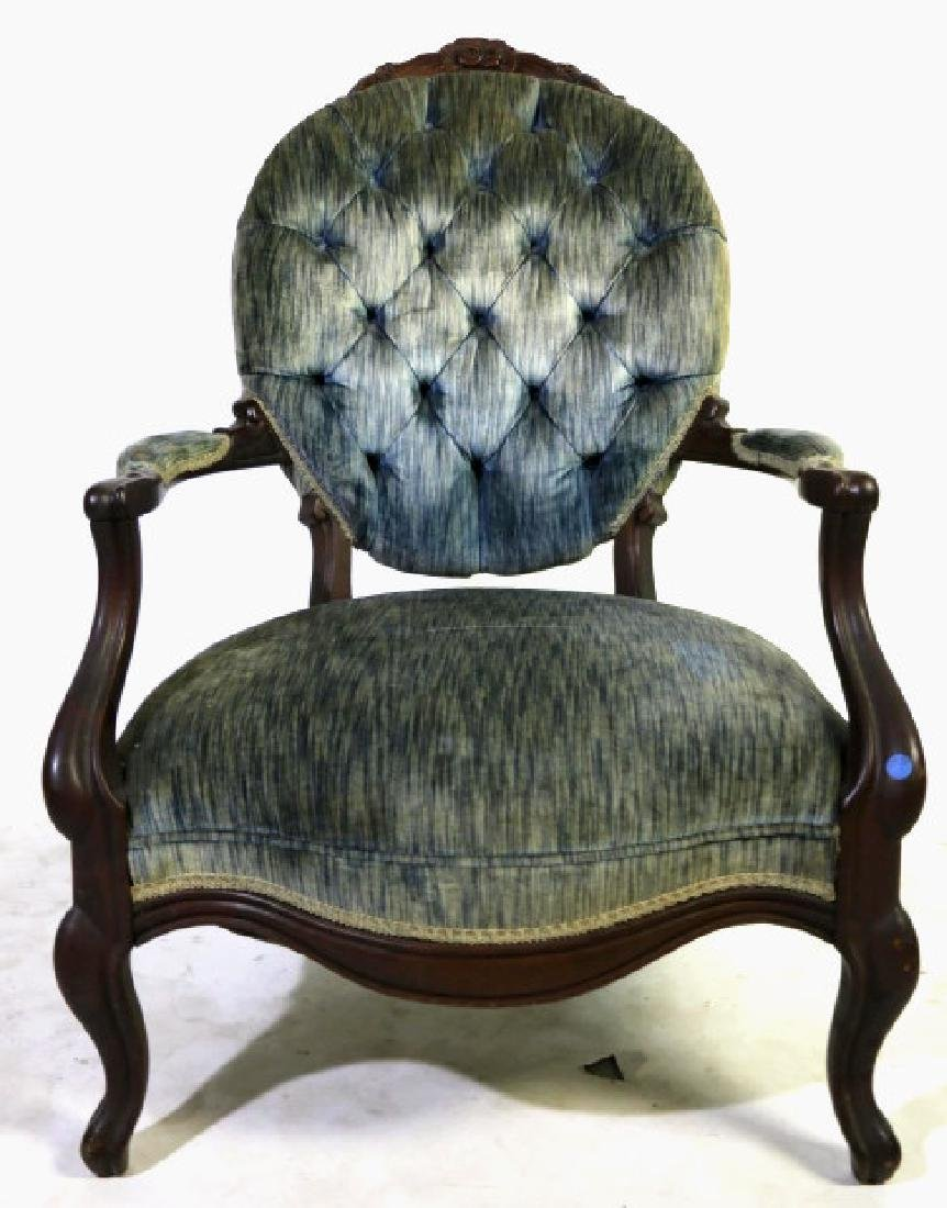 AMERICAN ANTIQUE VICTORIAN TUFTED ARMCHAIR