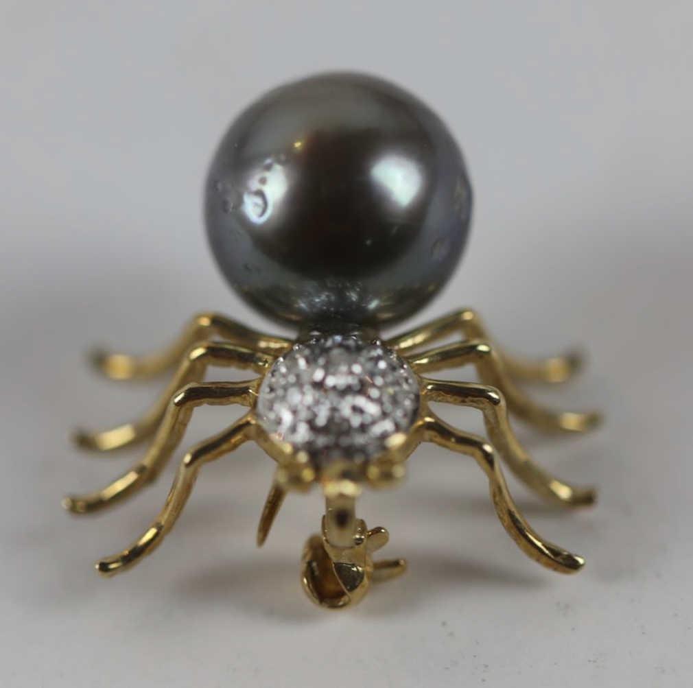 14KYG DIAMOND W/ SOUTH SEA GRAY / BLACK PEARL PIN