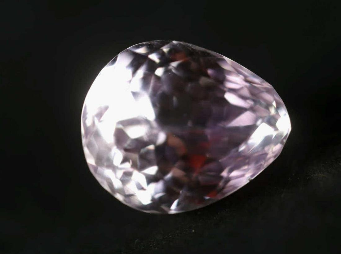 FINE LARGE LOOSE PEAR SHAPED AMETHYST 5+ CARAT