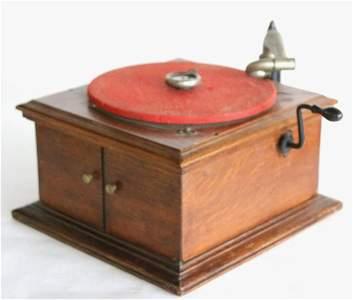 RCA VICTOR ANTIQUE VV-VI HAND CRANK PHONOGRAPH