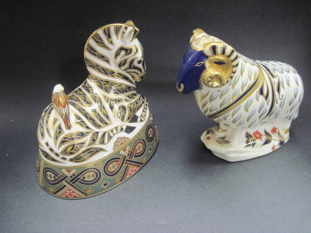 A PAIR OF ROYAL CROWN DERBY ANIMALS: