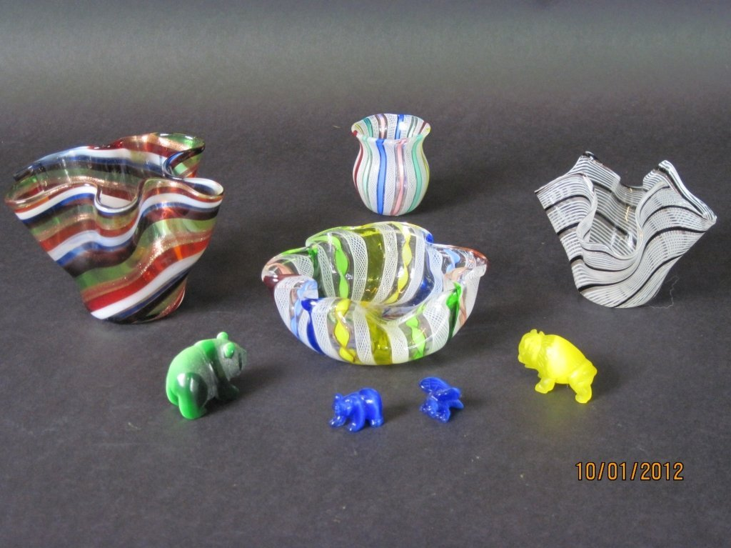 GROUP OF EIGHT ITALIAN GLASS PIECES: