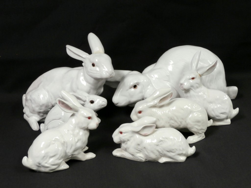 GROUP OF SEVEN CERAMIC BUNNIES: