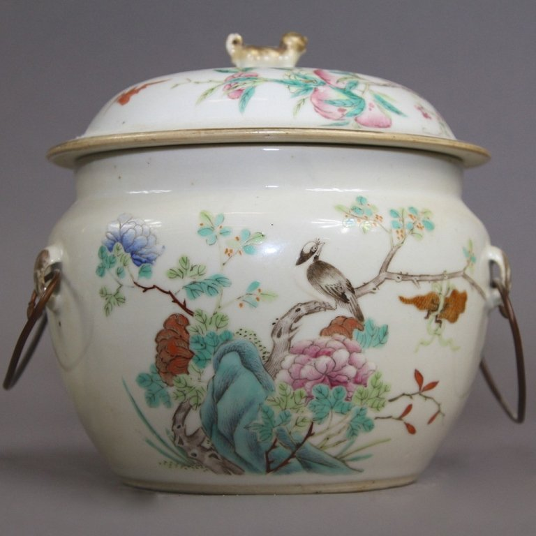 27: EARLY CHINESE LIDDED SOUP POT: