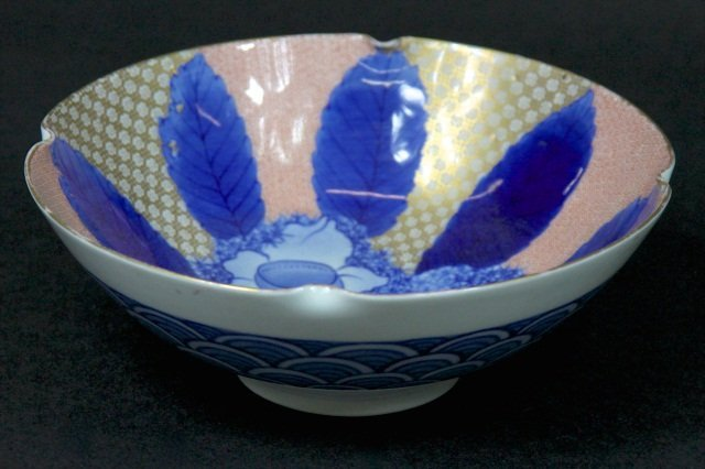 CHINESE PORCELAIN BOWL: