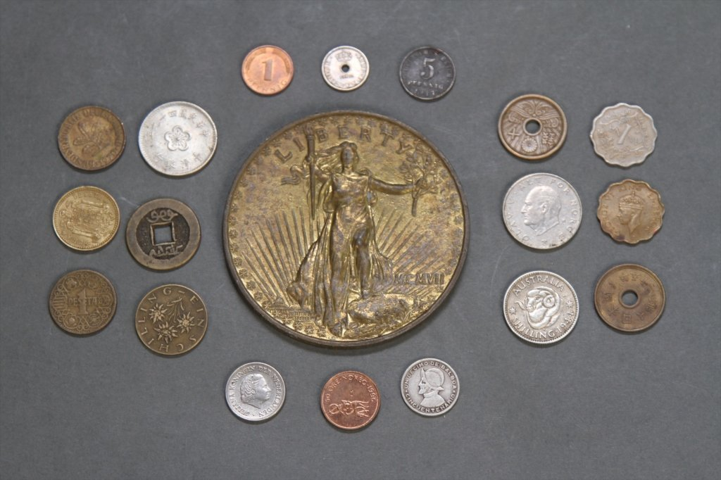 LOT OF COINS: