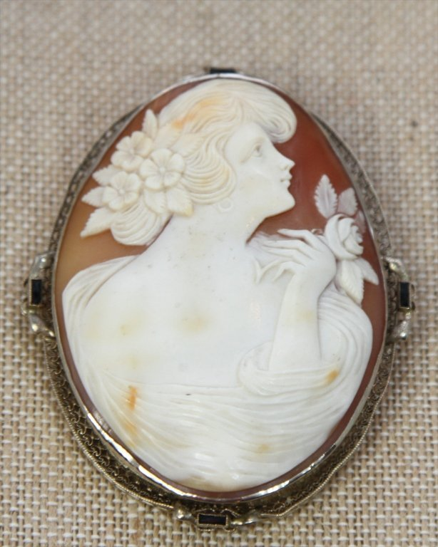 14KTWG CAMEO HAND CARVED: