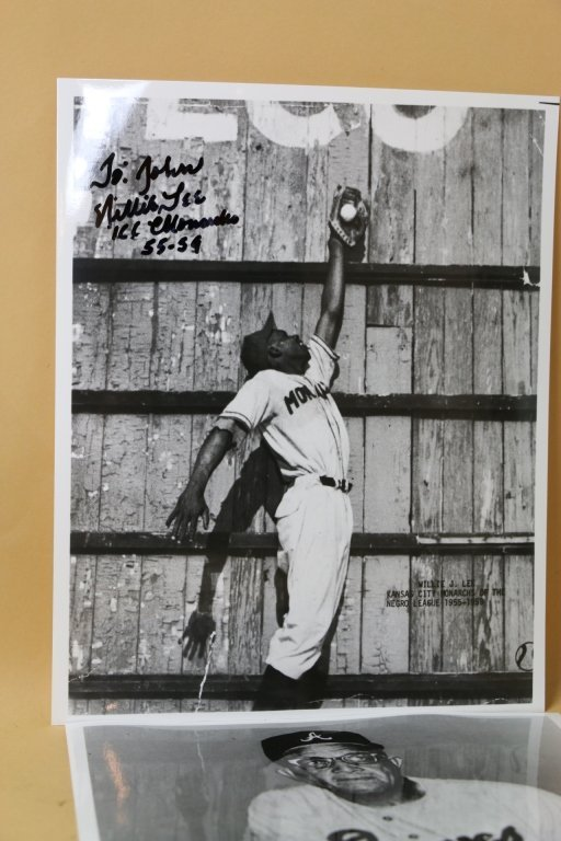 WILLIE J. LEE KC MONARCHS SIGNED BASEBALL PHOTO - 2