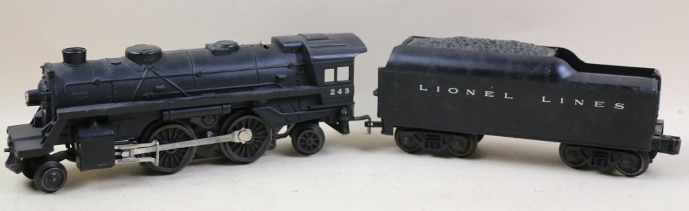 LIONEL LINES STEAM ENGINE AND COAL CAR 243