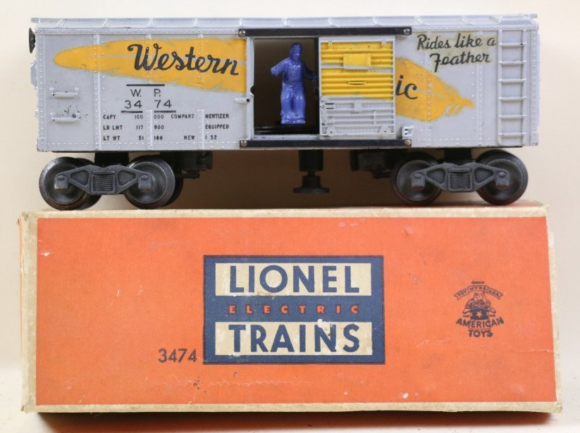 LIONEL 3474 WESTERN PACIFIC ACTION BOXCAR WITH BOX