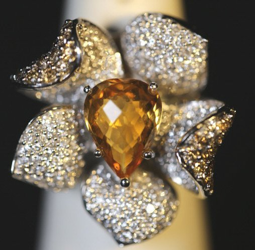 18KWG 2 CARAT DIAMOND AND 3.5 CARAT CITRINE RING