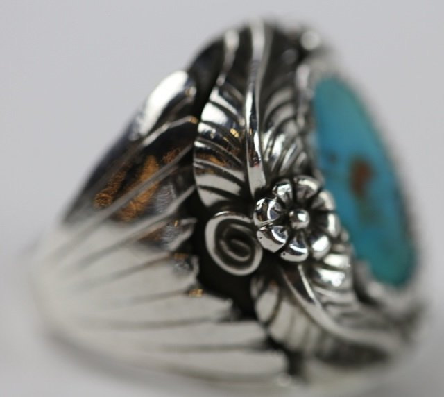 NATIVE AMERICAN STERLING SILVER TURQUOISE  RING
