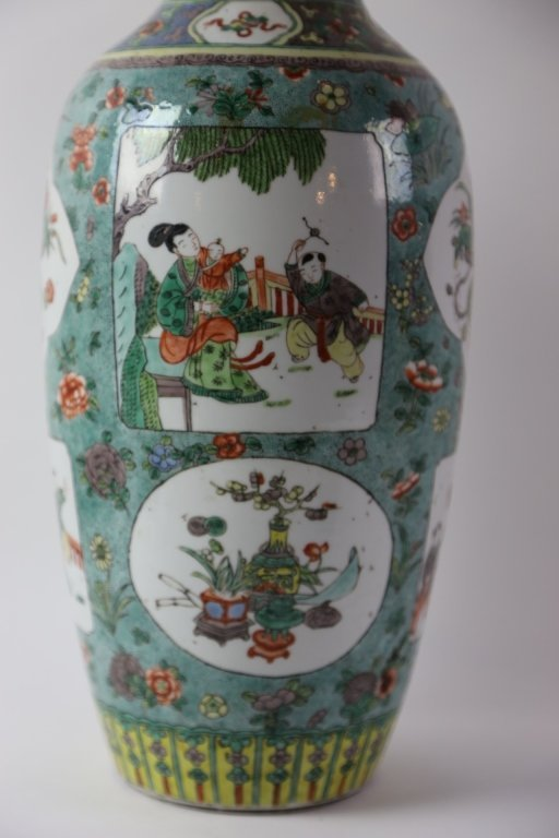 CHINESE ANTIQUE FAMILLE VERTE PORCELAIN VASE - 3