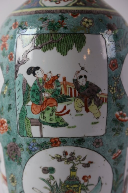CHINESE ANTIQUE FAMILLE VERTE PORCELAIN VASE - 4