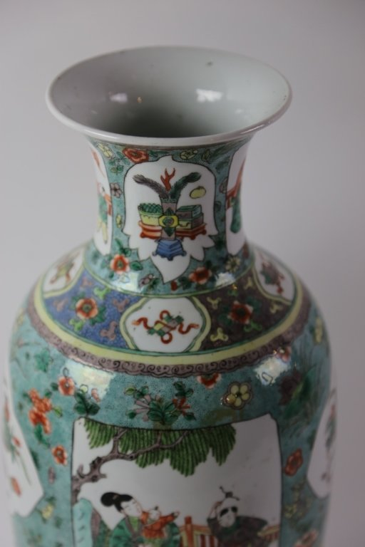 CHINESE ANTIQUE FAMILLE VERTE PORCELAIN VASE - 7