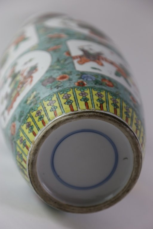 CHINESE ANTIQUE FAMILLE VERTE PORCELAIN VASE - 8