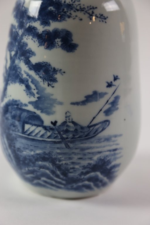 JAPANESE ANTIQUE BLUE AND WHITE SAKE VASE - 6