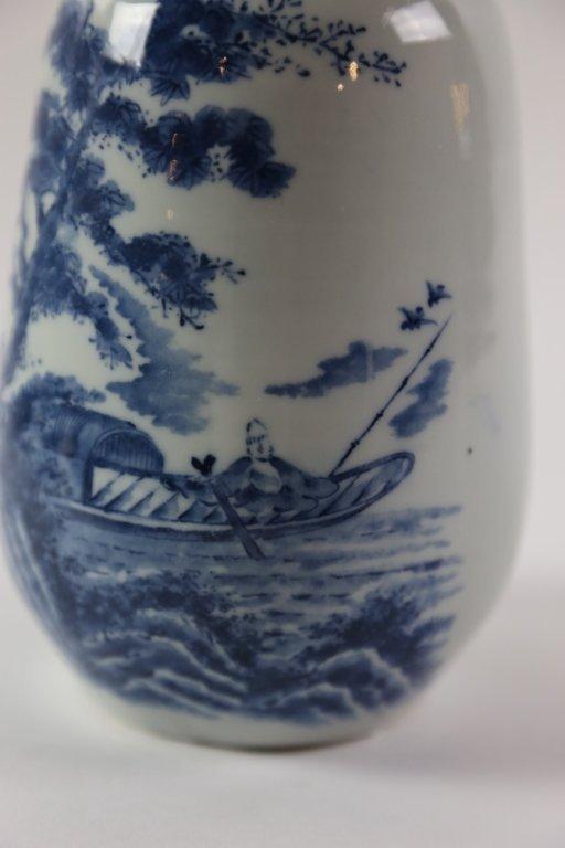 JAPANESE ANTIQUE BLUE AND WHITE SAKE VASE - 6