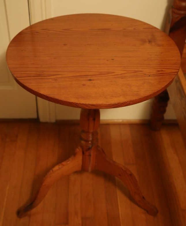 ANTIQUE SOUTHERN YELLOW PINE TILT TOP TABLE - 4