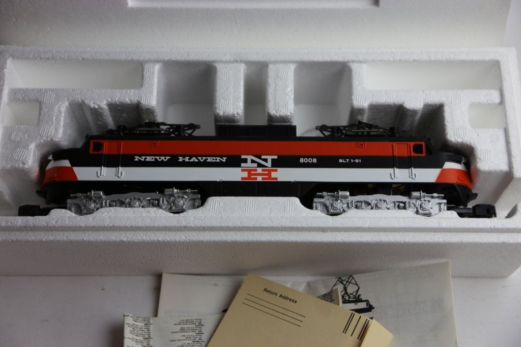 AMERICAN FLYER NEW HAVEN 8008 POWER LINE ENGINE - 5