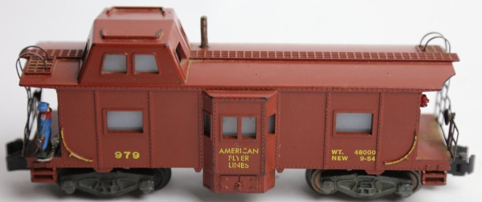 AMERICAN FLYER 979 ILLUMINATED LOOKOUT CABOOSE