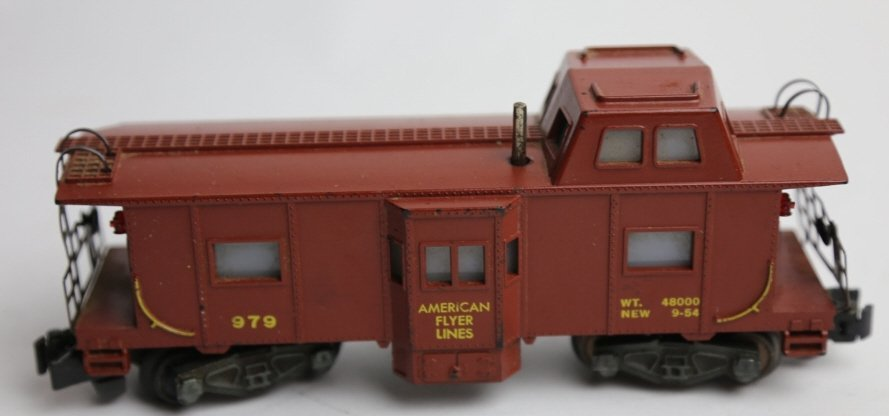 AMERICAN FLYER 979 ILLUMINATED LOOKOUT CABOOSE - 2
