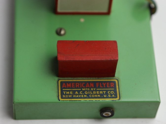 AMERICAN FLYER VINTAGE ELECTRIC  SWITCH HOUSE - 3