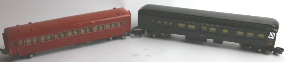 AMERICAN FLYER 654 AND 650 PASSNEGER CARS
