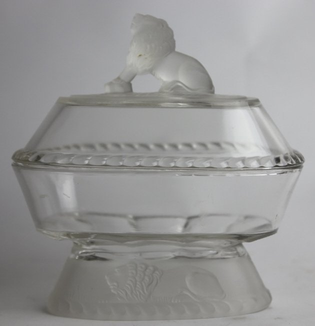 GILLINDER & SON COVERED GLASS LION DISH