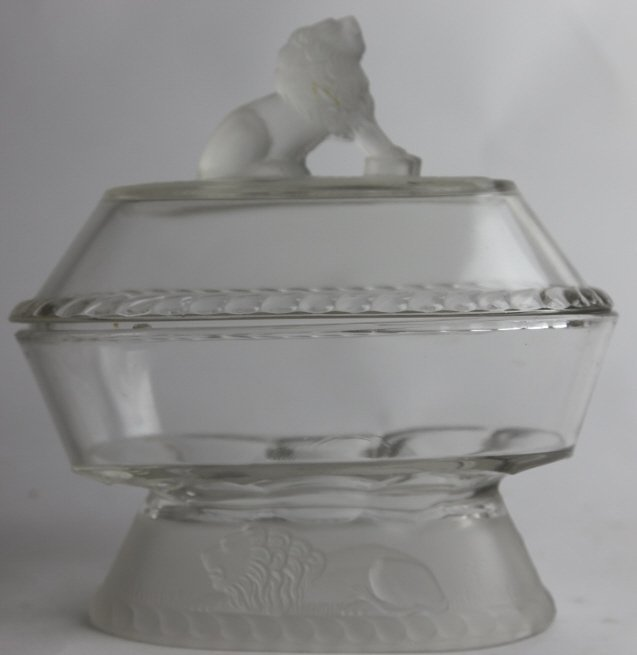 GILLINDER & SON COVERED GLASS LION DISH - 5