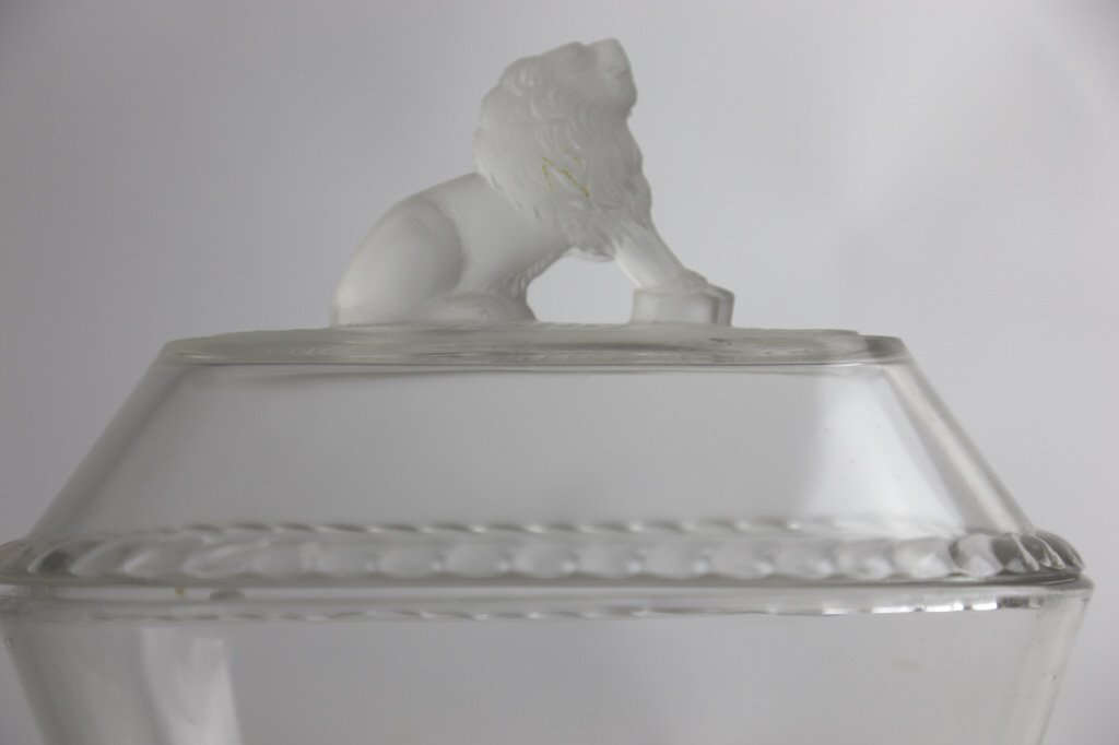GILLINDER & SON COVERED GLASS LION DISH - 6