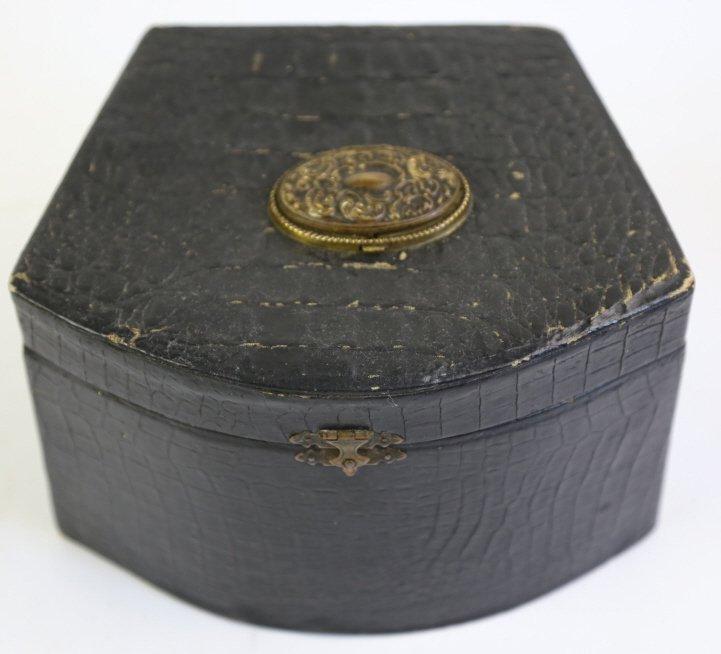 ANTIQUE FINE ALLIGATOR CASED MINK COLLAR BOX