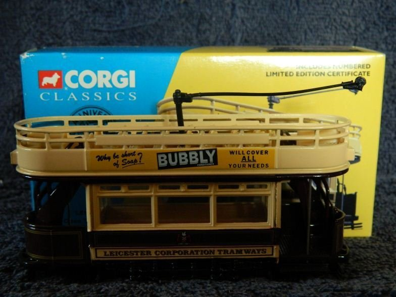 7: Corgi Classic Leicester open top tram set