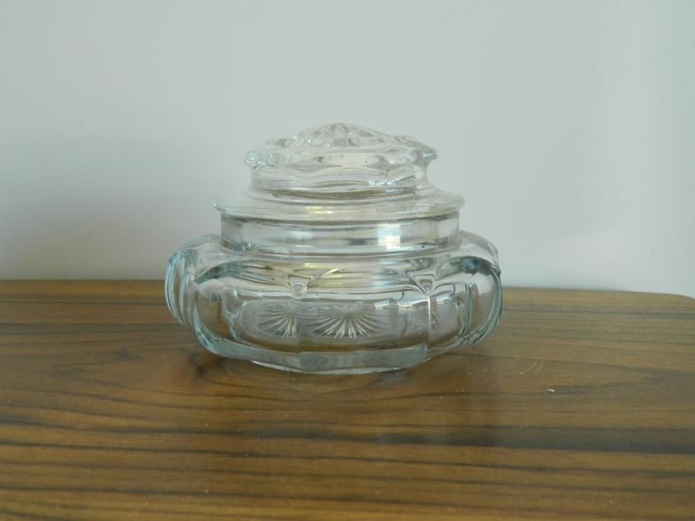 Glass powder bowl and lid