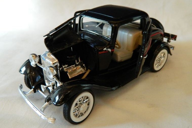 Solido 1932 Ford three-window coupe