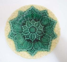 A Wedgwood majolica 'Cauliflower' plate, decorated in