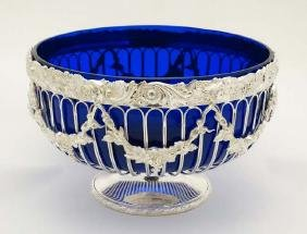 A late 20thC / early 21st silver plated pedestal bowl