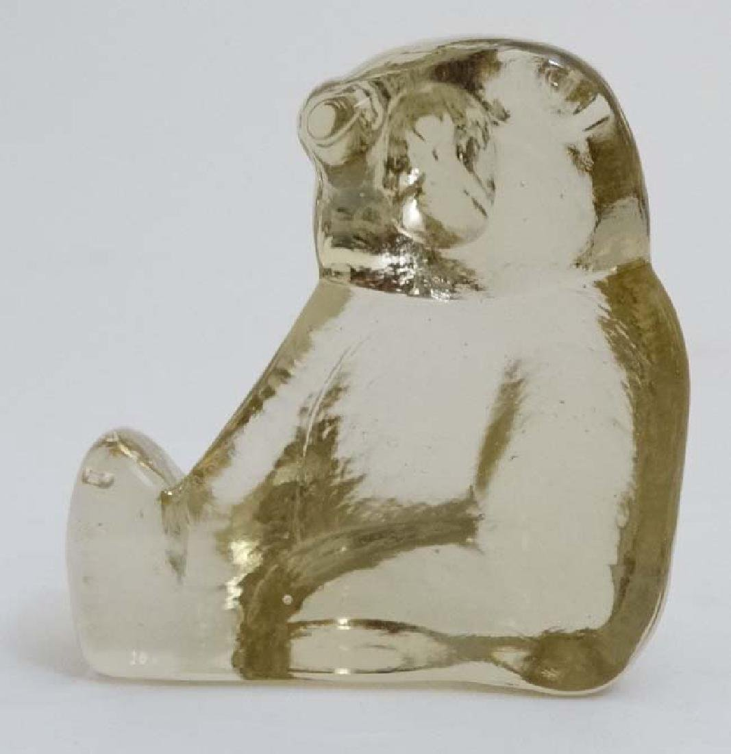 Scandinavian Art glass : A model of a seated polarbear - 5