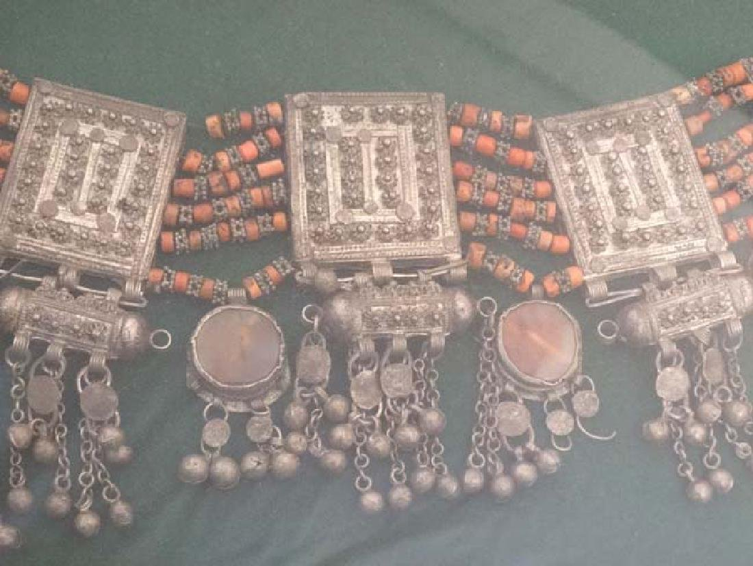 An Indo Persian necklace with four semi precious stone - 4