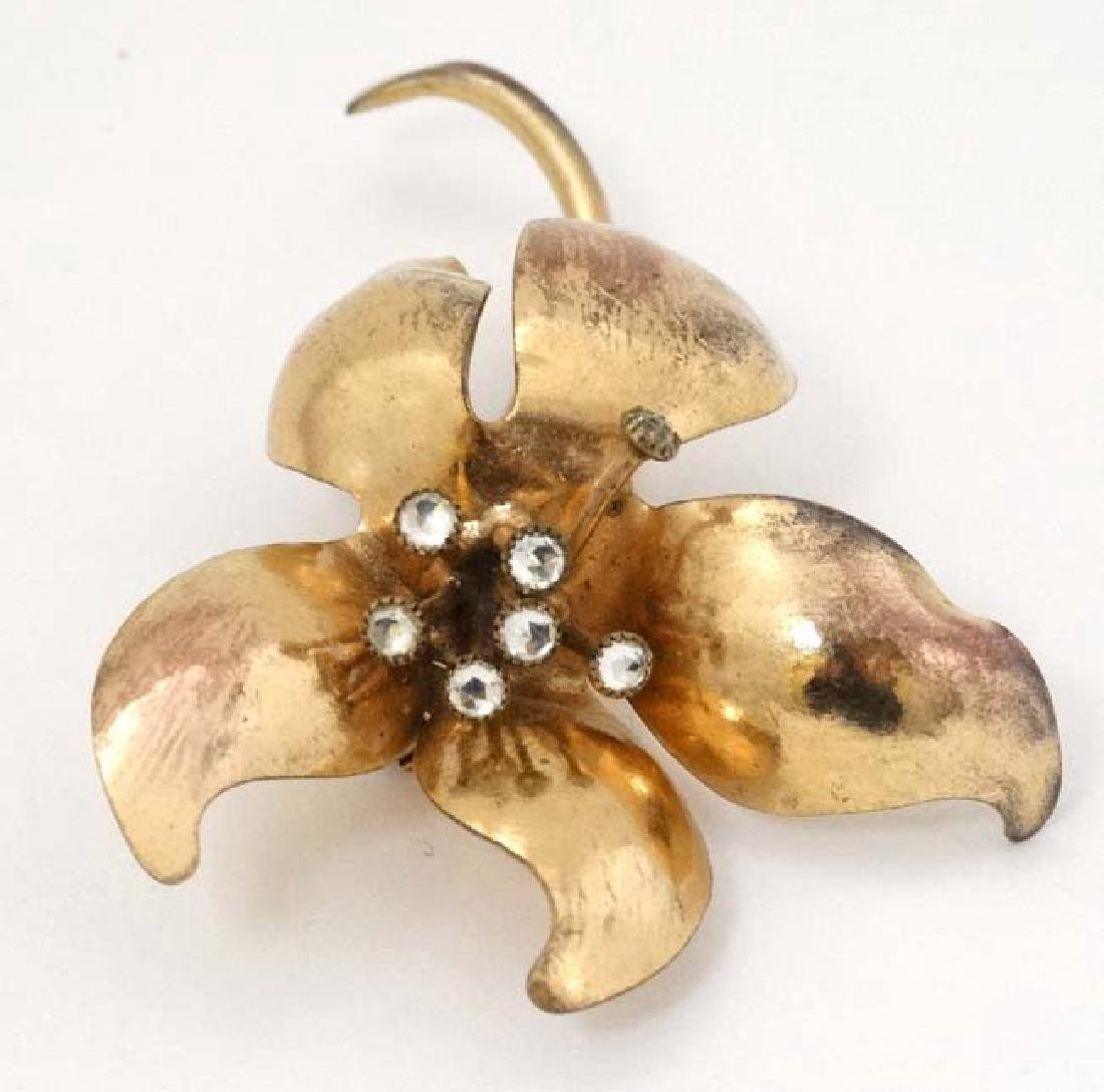 A Swiss Gilt metal brooch of floral form, set with - 4