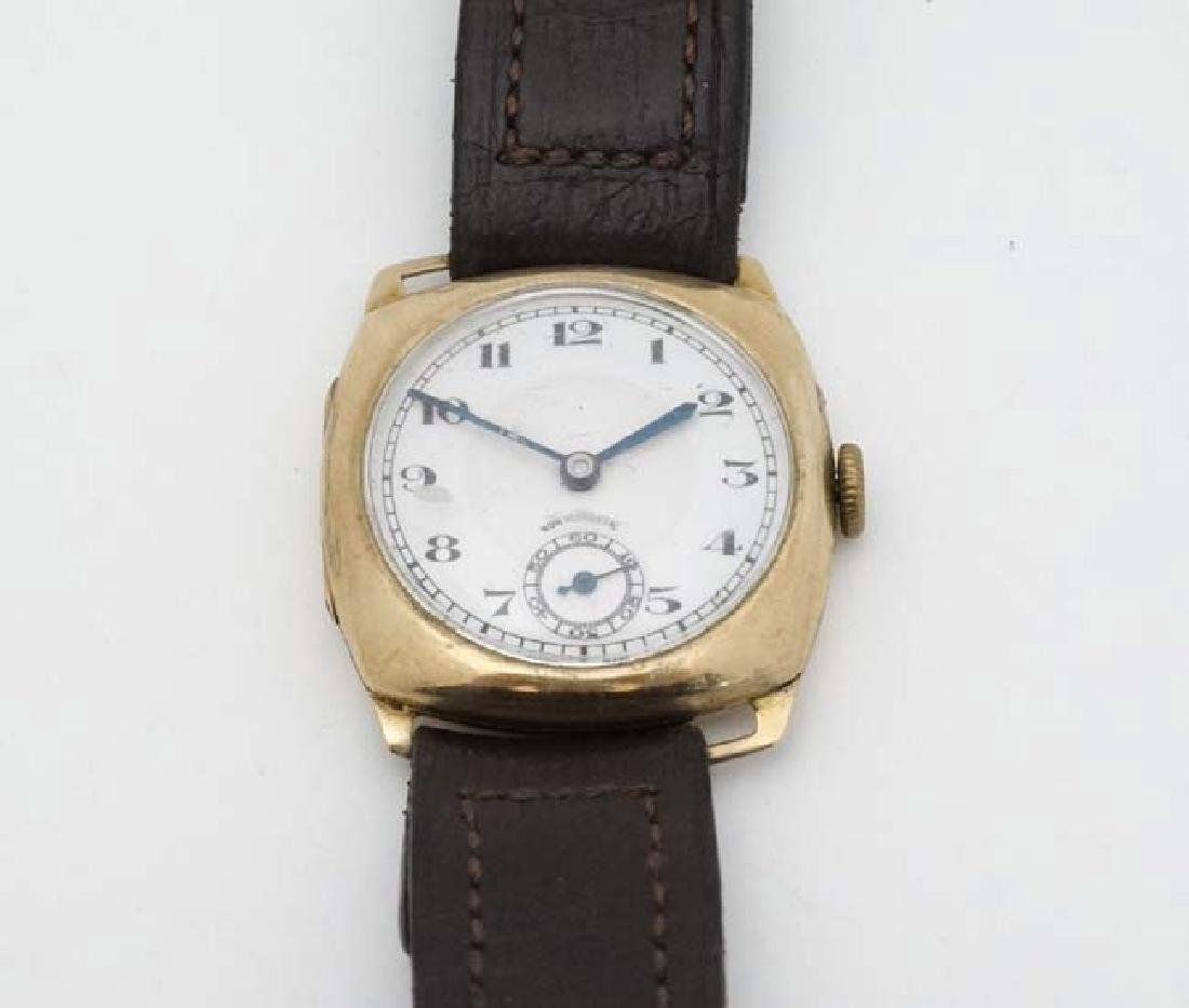 An early .375 Gold cased Gentlemans Wrist Watch : a 15